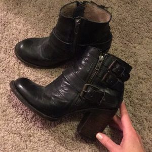 Free Bird by Steve Madden Black Leather Boots
